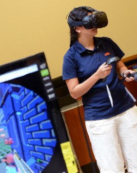 photo of U T S A engineering student using virtual reality technology